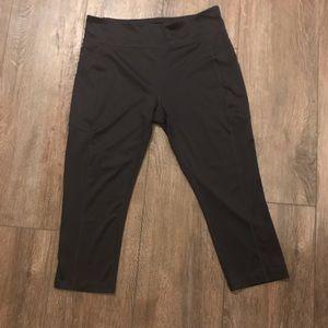 Tek Gear workout capris black with side pockets